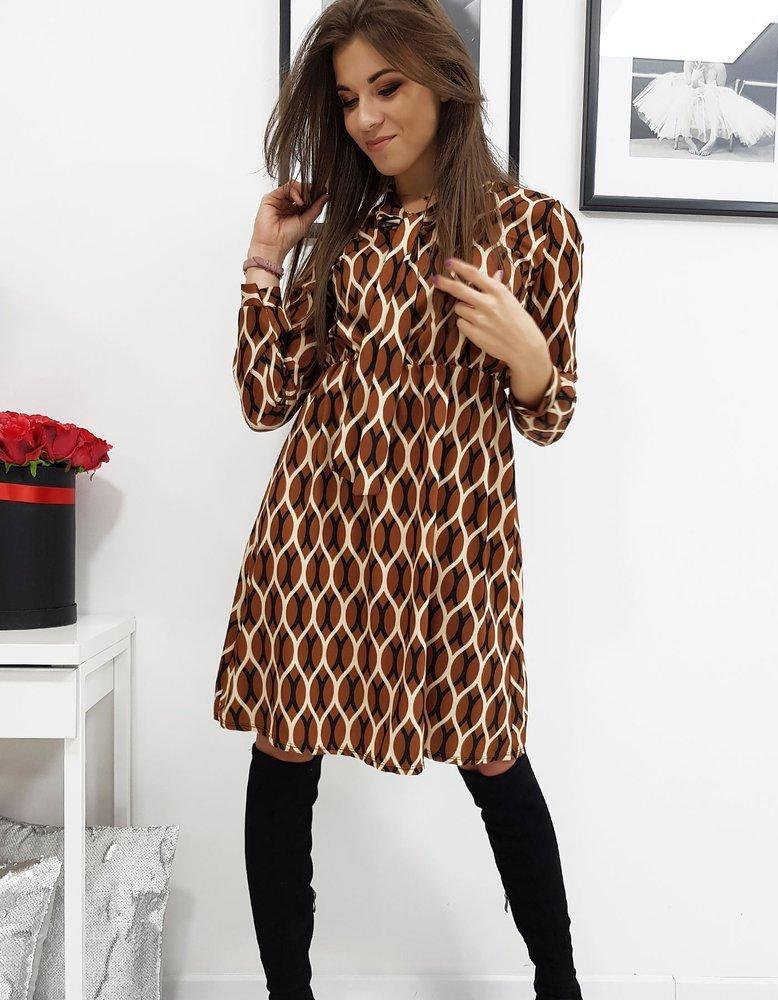 Šaty so vzorom karamelové
