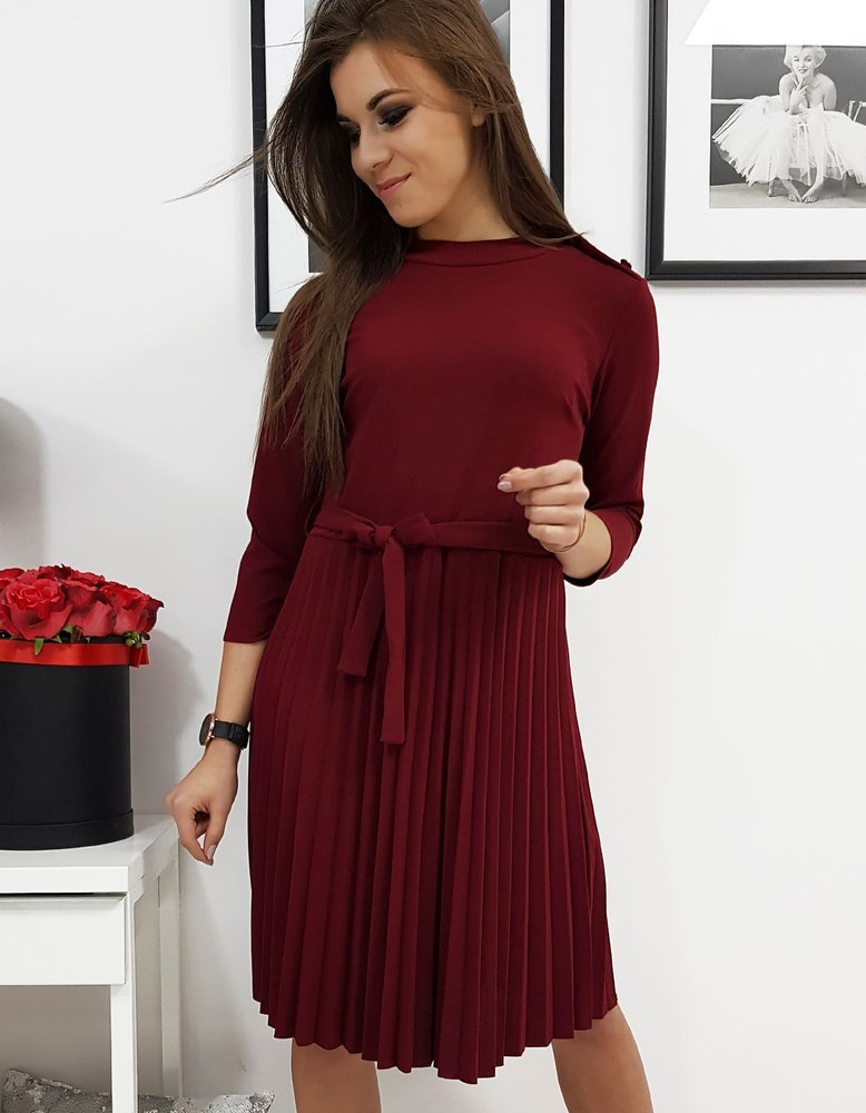 Plisované šaty vínové
