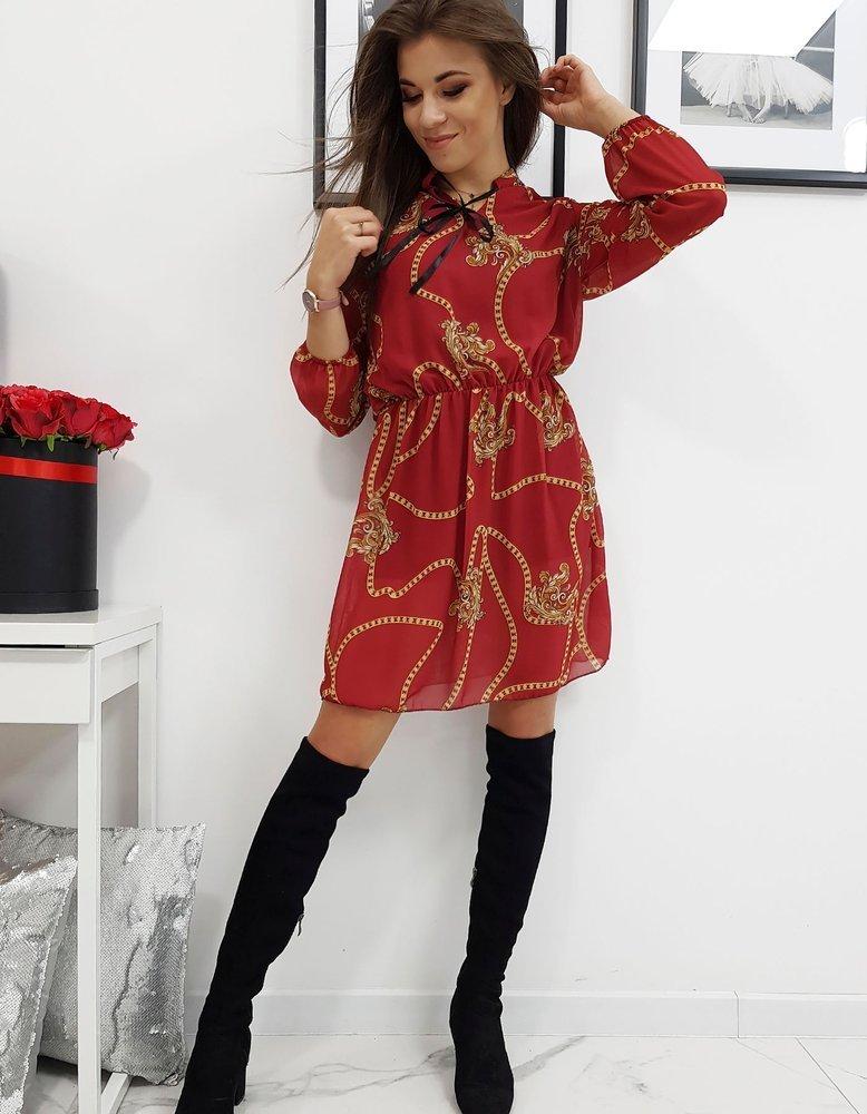 Vínové šaty so vzorom