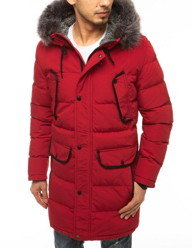 Červená prešívaná zimná bunda.