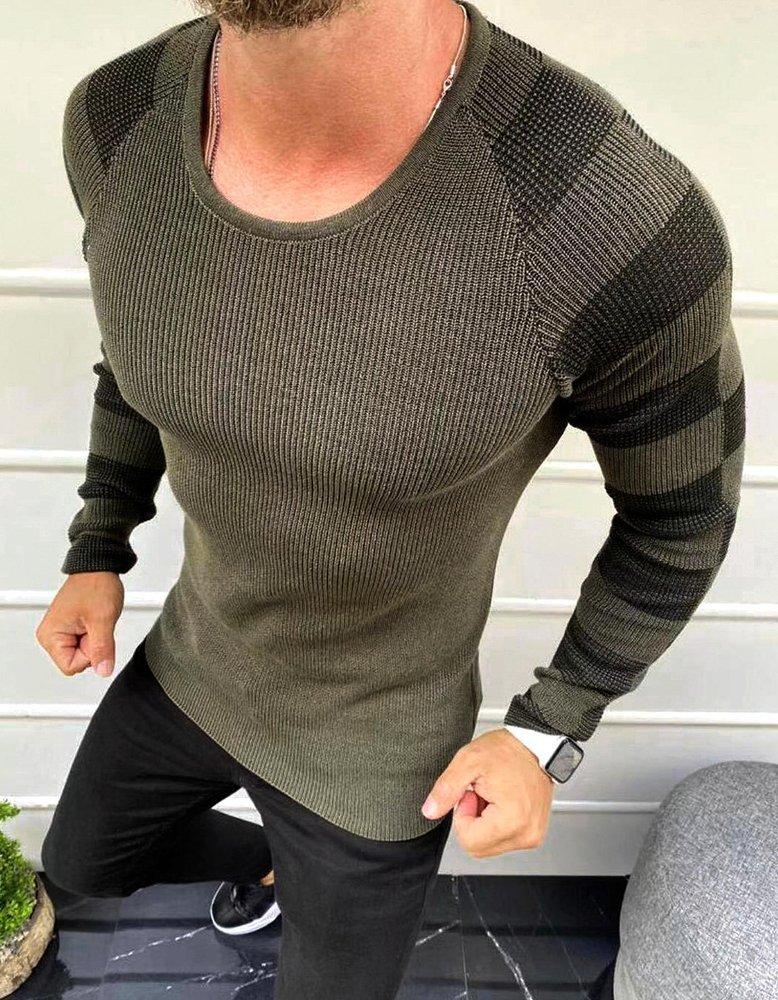 Pánsky khaki sveter v štýlovom prevedení.