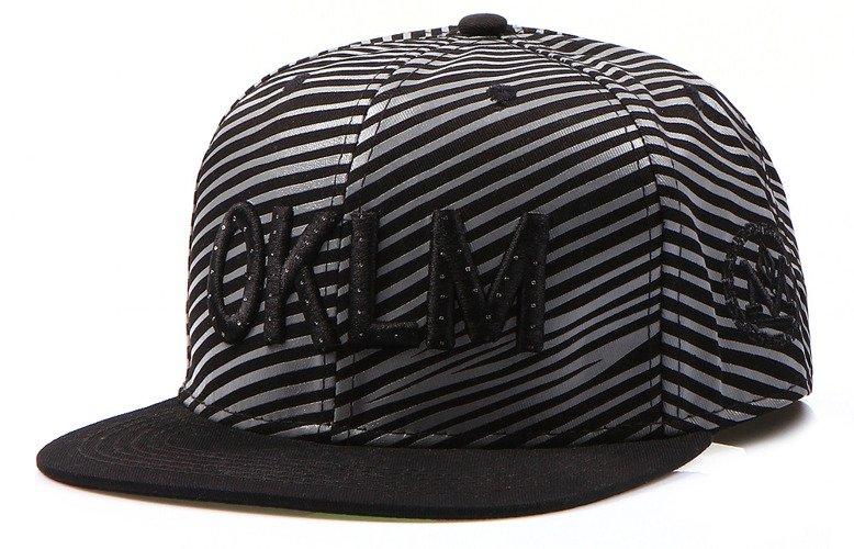 Pámska čiapka snapback čierna