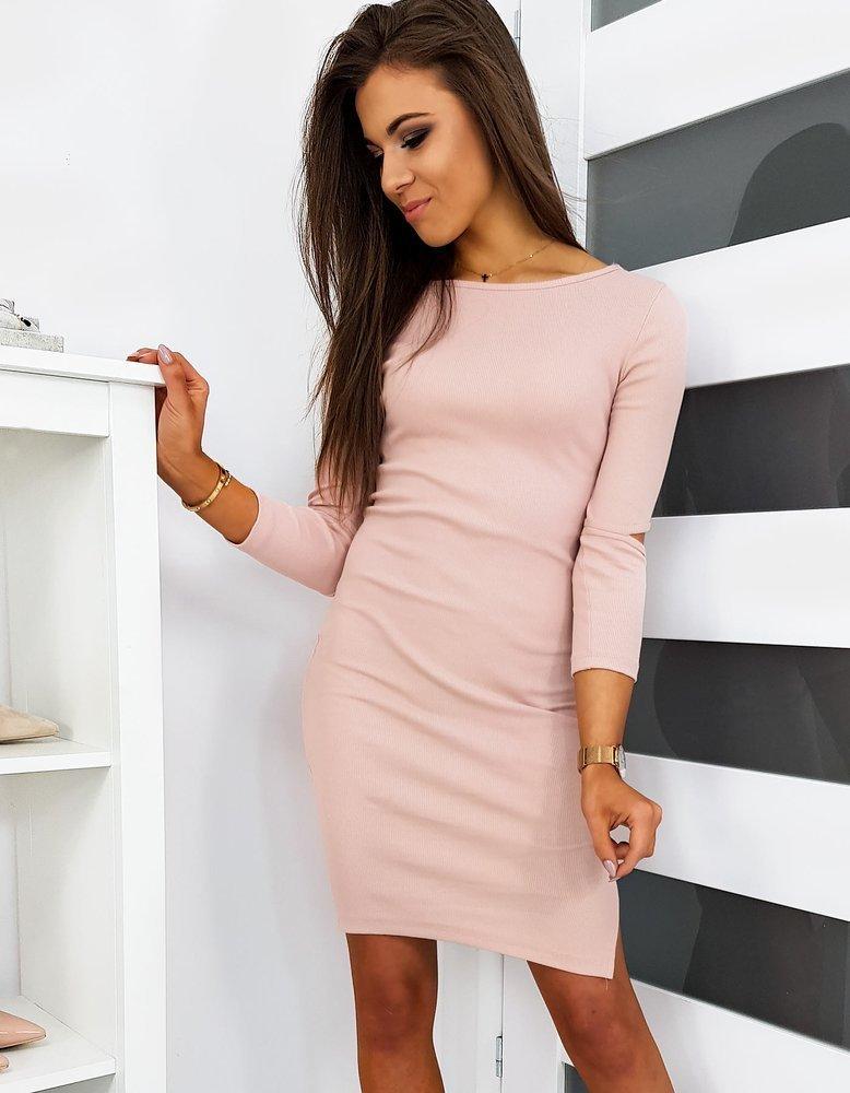 sukienka różowa przed kolana