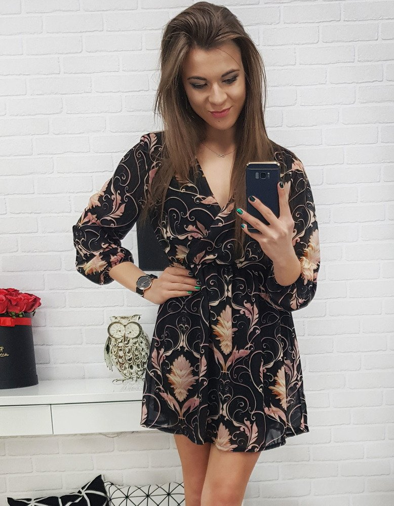 47f447f379 Sukienka w kwiaty czarna (ey0655) - sklep online Dstreet.pl